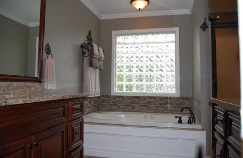 Residence Master Bath room Interior Design